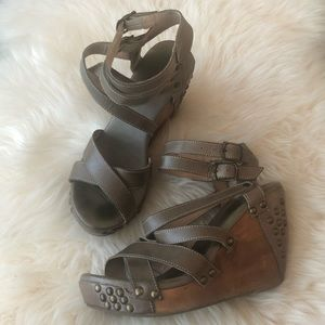 Bed Stu Cobbler Series Michaela Wedges Studded 9